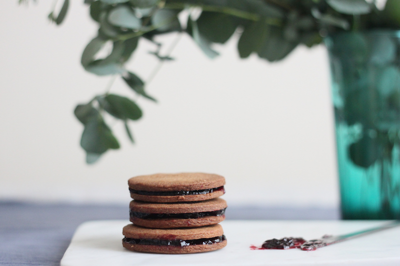 speculoos and cherry jam